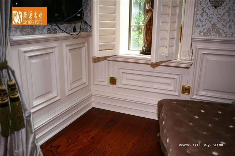 我想做 白色欧式墙裙 这个是买现成的还是木匠做的?用图片