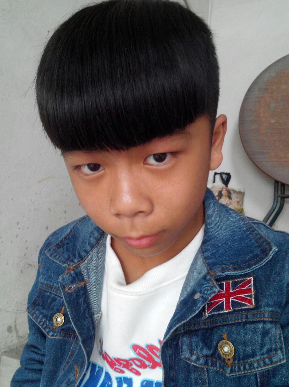 有什么发型适合初一男孩的图片