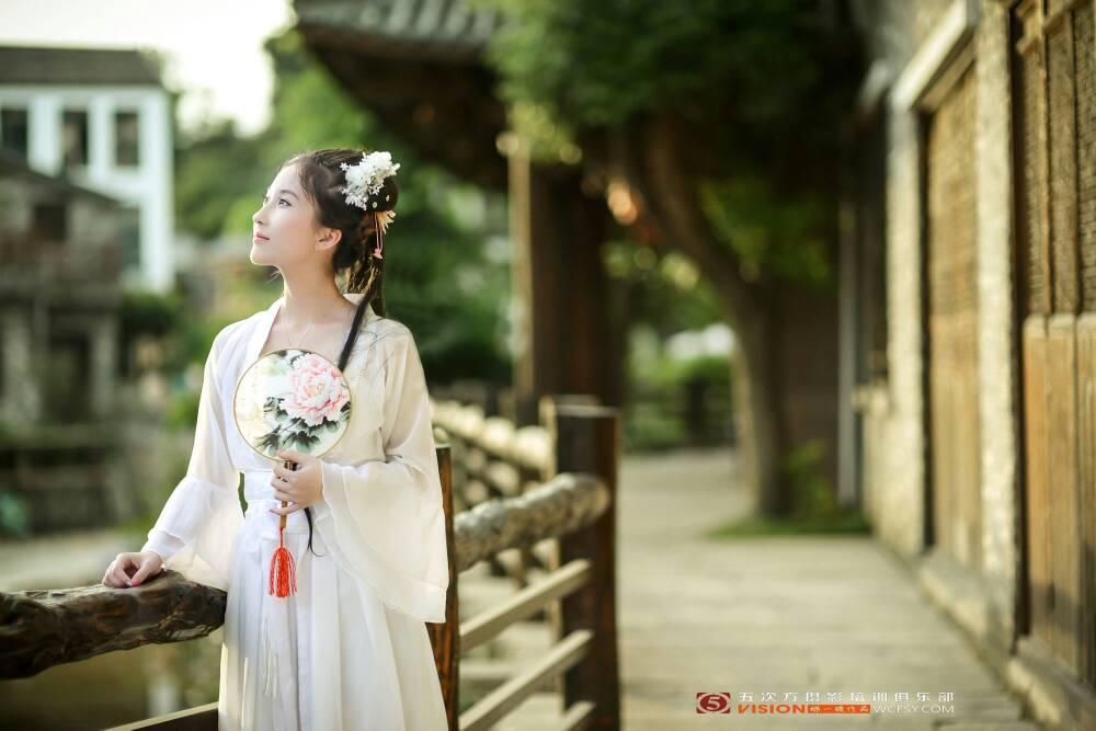 中国古装美女图 百度知道