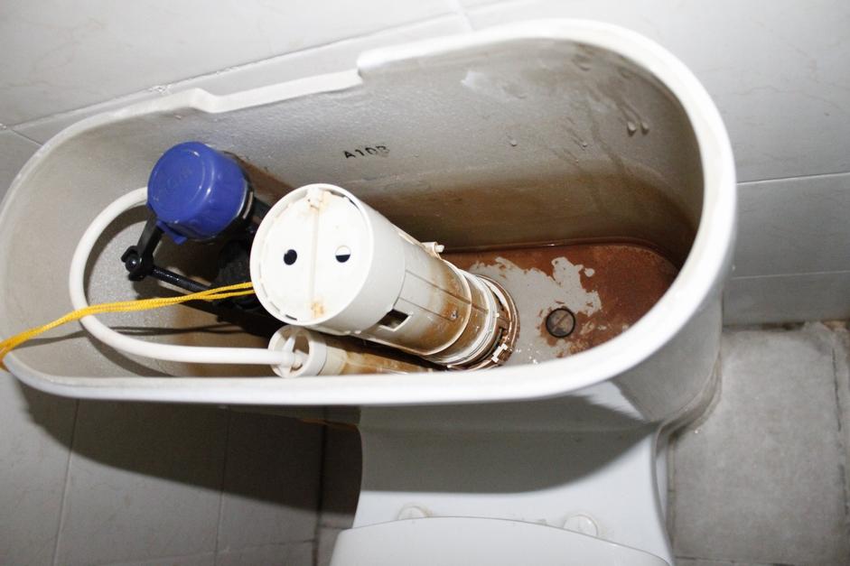 抽水马桶冲水阀坏了图片