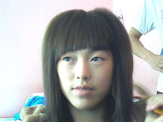 剪了,减掉以后会很痛苦的,因为我以前是蘑菇头,留了一年才把头发长长.图片