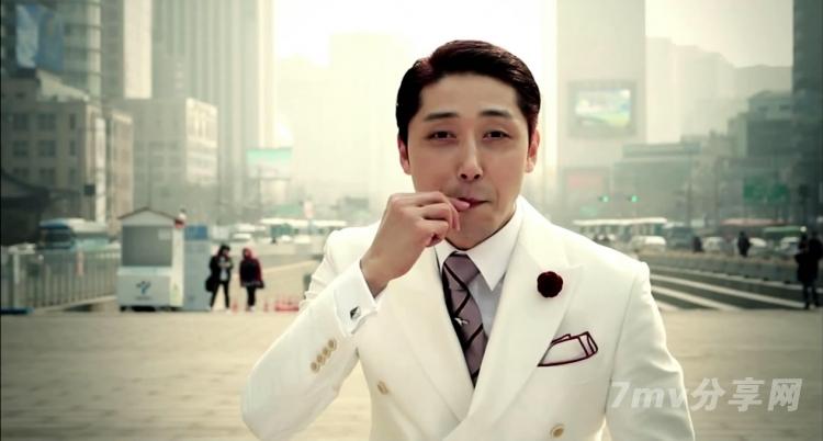 免费男同视频_跪求近半年的韩国男同mv,内容是两男一女,其中男1默默