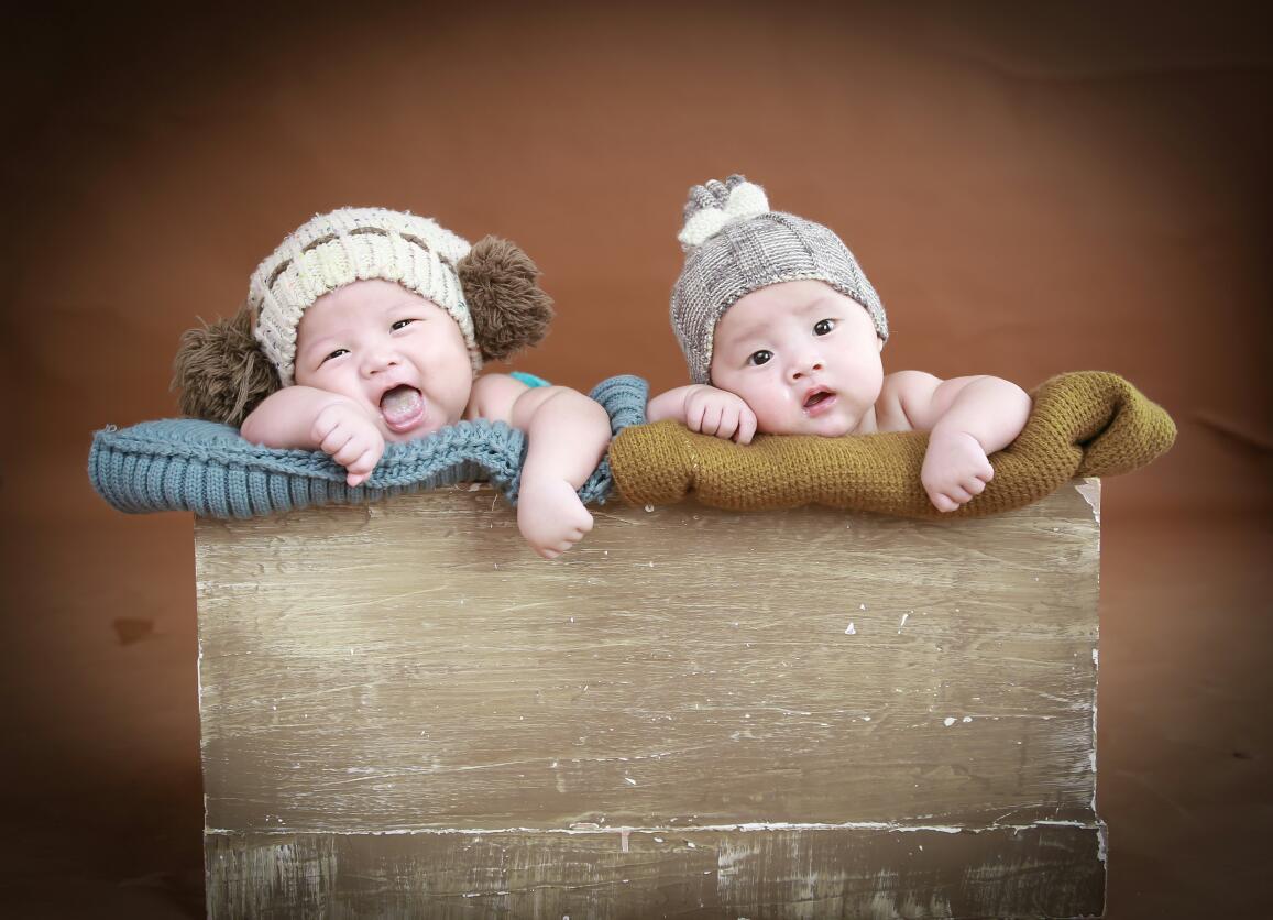 秀秀双胞胎宝宝百天照只看楼主图片