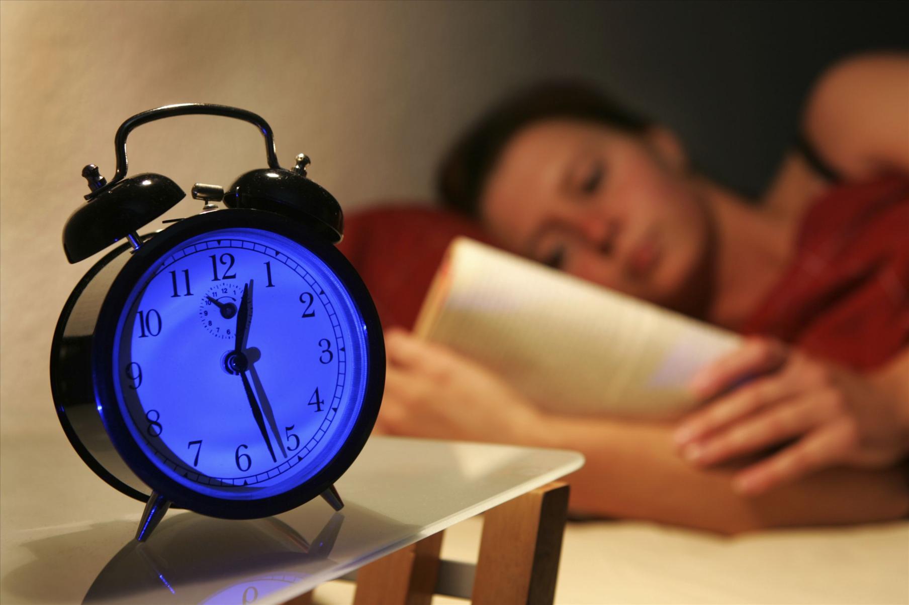 睡觉做梦_做梦是十分普遍的睡眠现象,梦无影无踪,抓不住,摸不到,几乎 每个人说