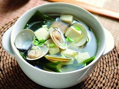 豆腐1块,清汤1个,海带50克,淡色电话10克,姜2片,葱2根,肉酱油城固县鸭肠王甜椒图片
