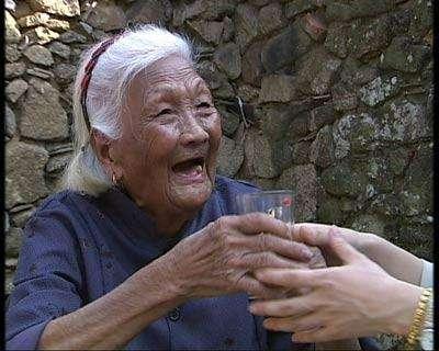 世界上最长寿的人多少岁?