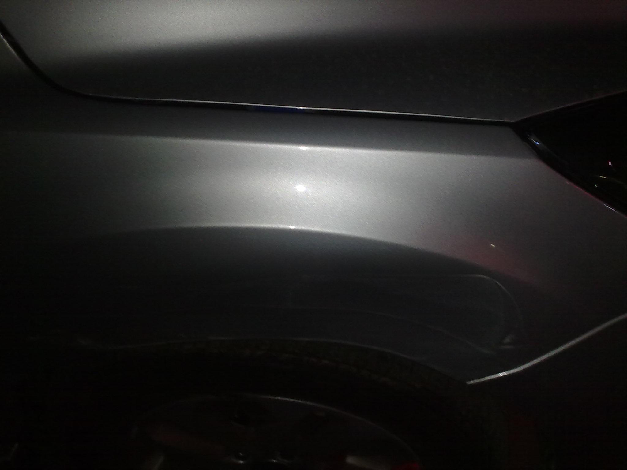 经典福克斯的右前翼子板被撞憋了 修理加喷漆多少钱啊 换高清图片