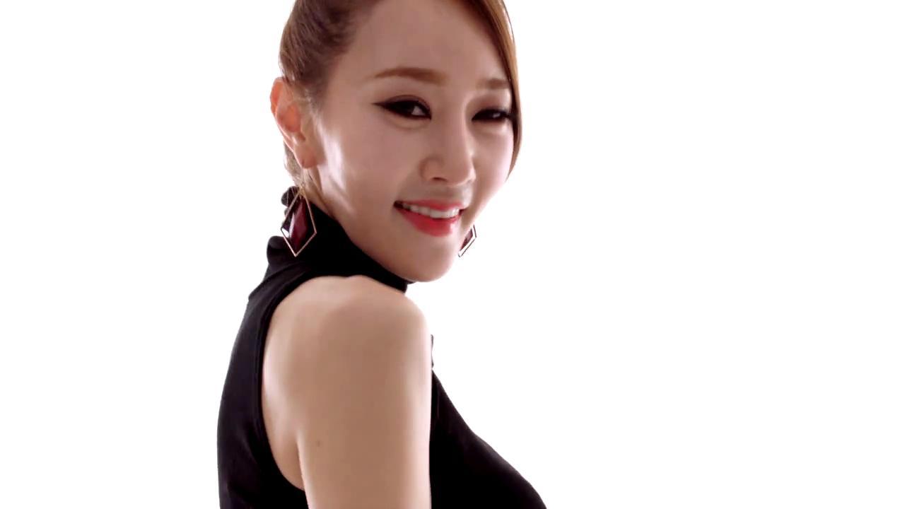 这位韩国女歌星叫什么名字?