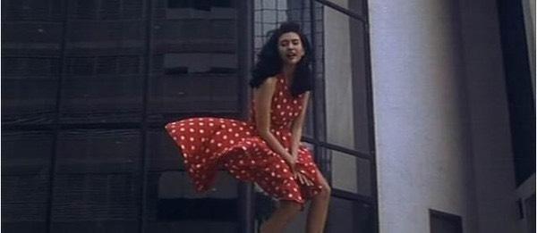 看超能性感邱淑贞!邱淑贞堪称20世纪90年代的性感女神.