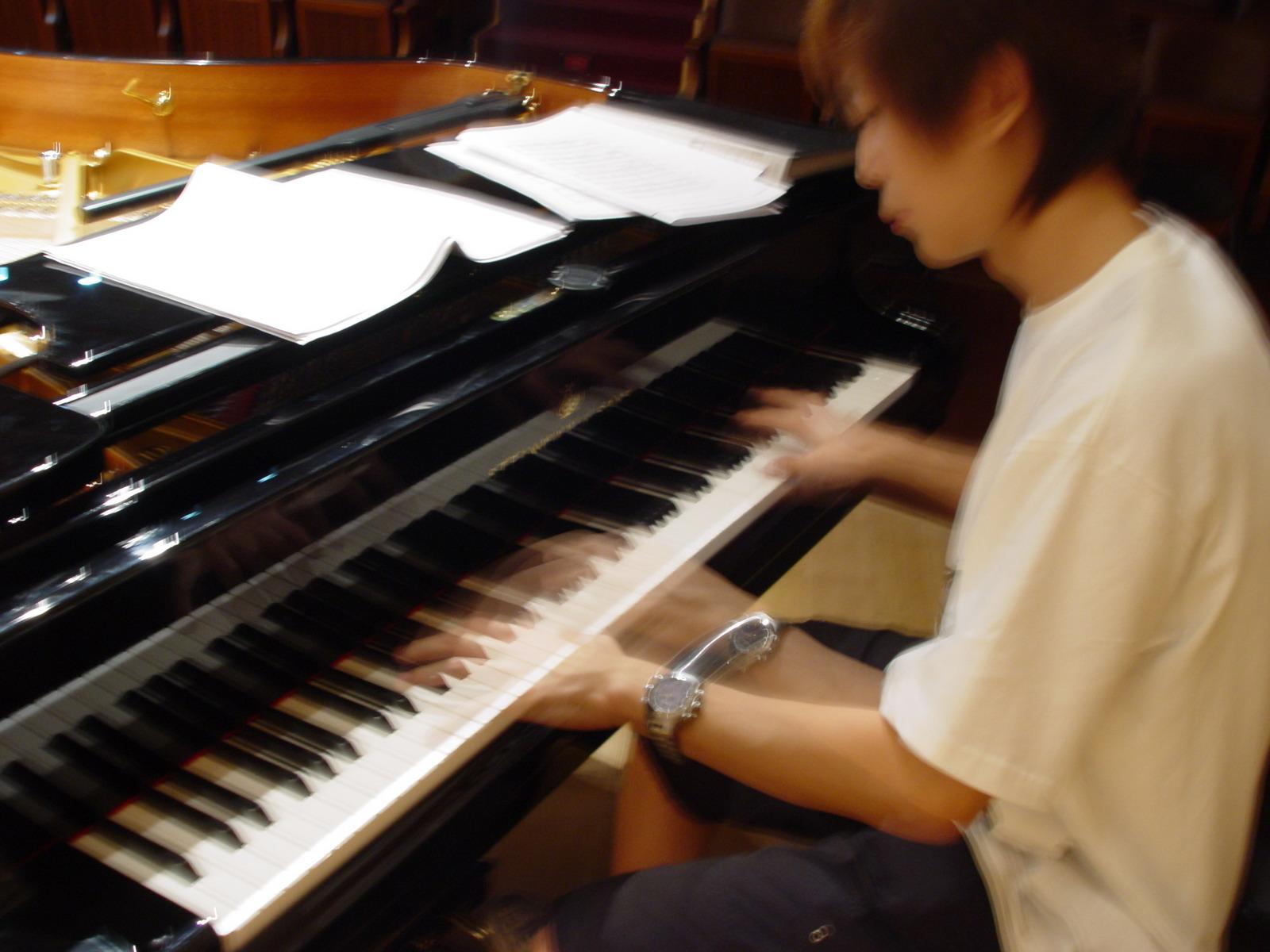 斯坦威钢琴的介绍图片