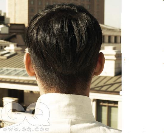 男生把头发俩边后脑勺铲掉叫什么发形?还有光铲头发俩图片
