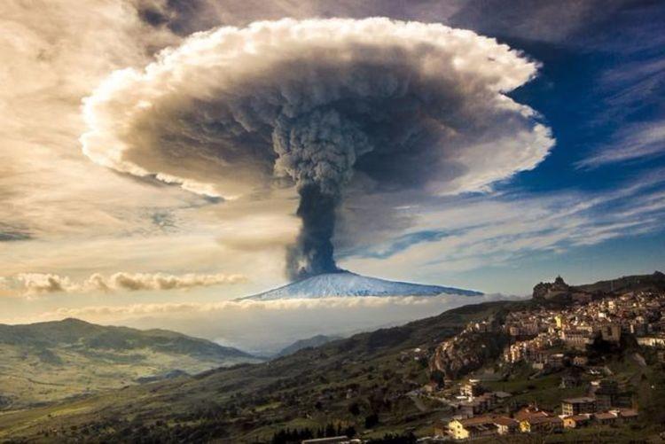 火山爆发的背后,地球到底隐藏着什么?