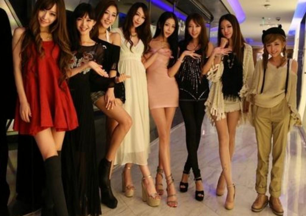 关键词:八位美女 就这么多财富值了
