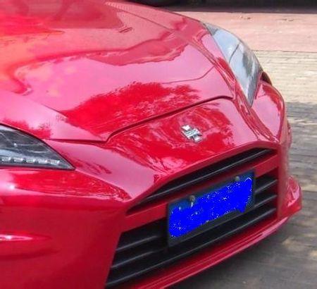 现代劳恩斯酷派改装版 车标为十字架的跑车 非雪弗兰 高清图片