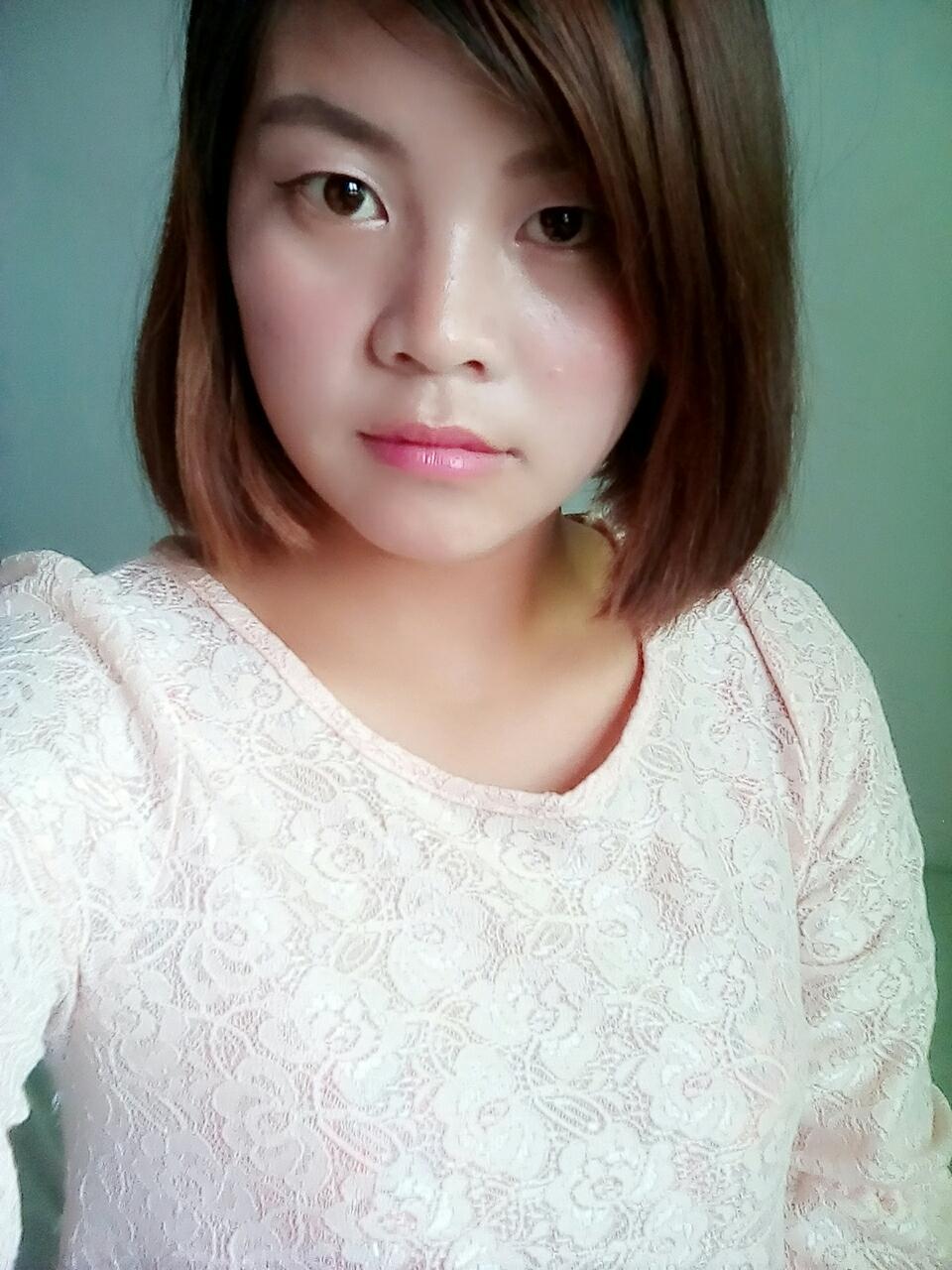 以前长头发时有留过齐刘海,现在短头发了想留空气刘海?图片
