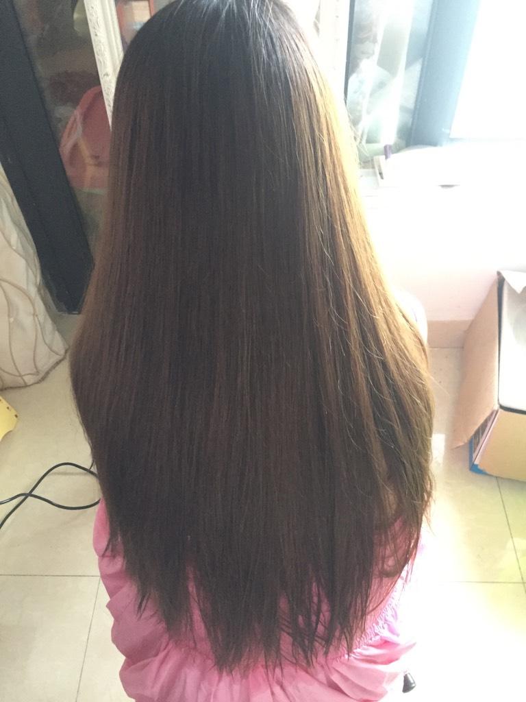 20多天没洗头发,所以头发又黄又干又枯,梳头都痛,所以现在想剪短发 2图片