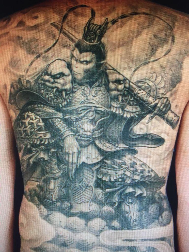 看什么纹身店了   高端的纹身店要满背要3000至图片
