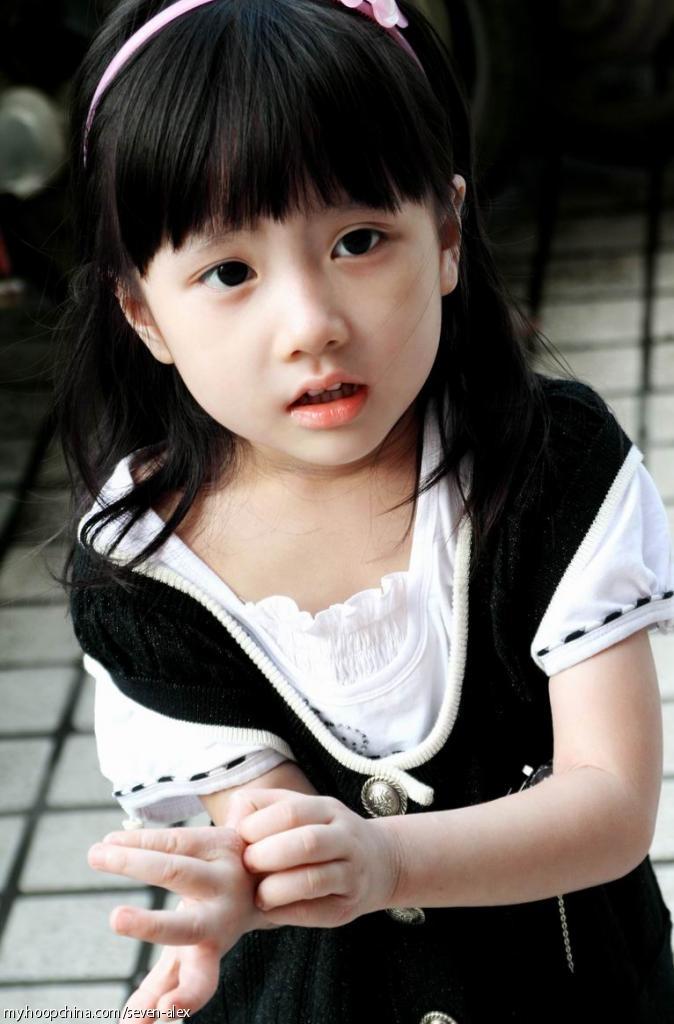 这个小美女叫什么名字啊?
