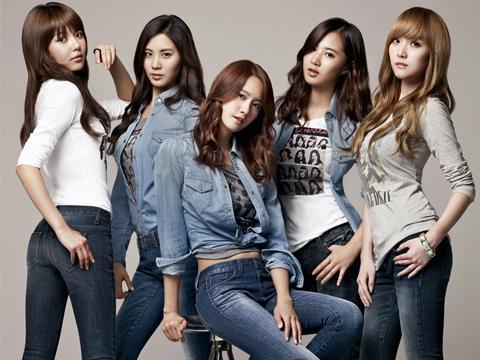 少女时代牛仔裤五人图片姓名