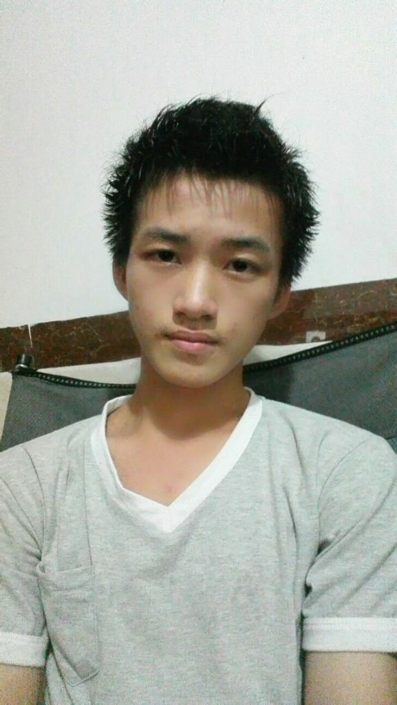 14岁男孩超帅照片 14 15岁帅气男孩照片 14岁男孩子的标准身高