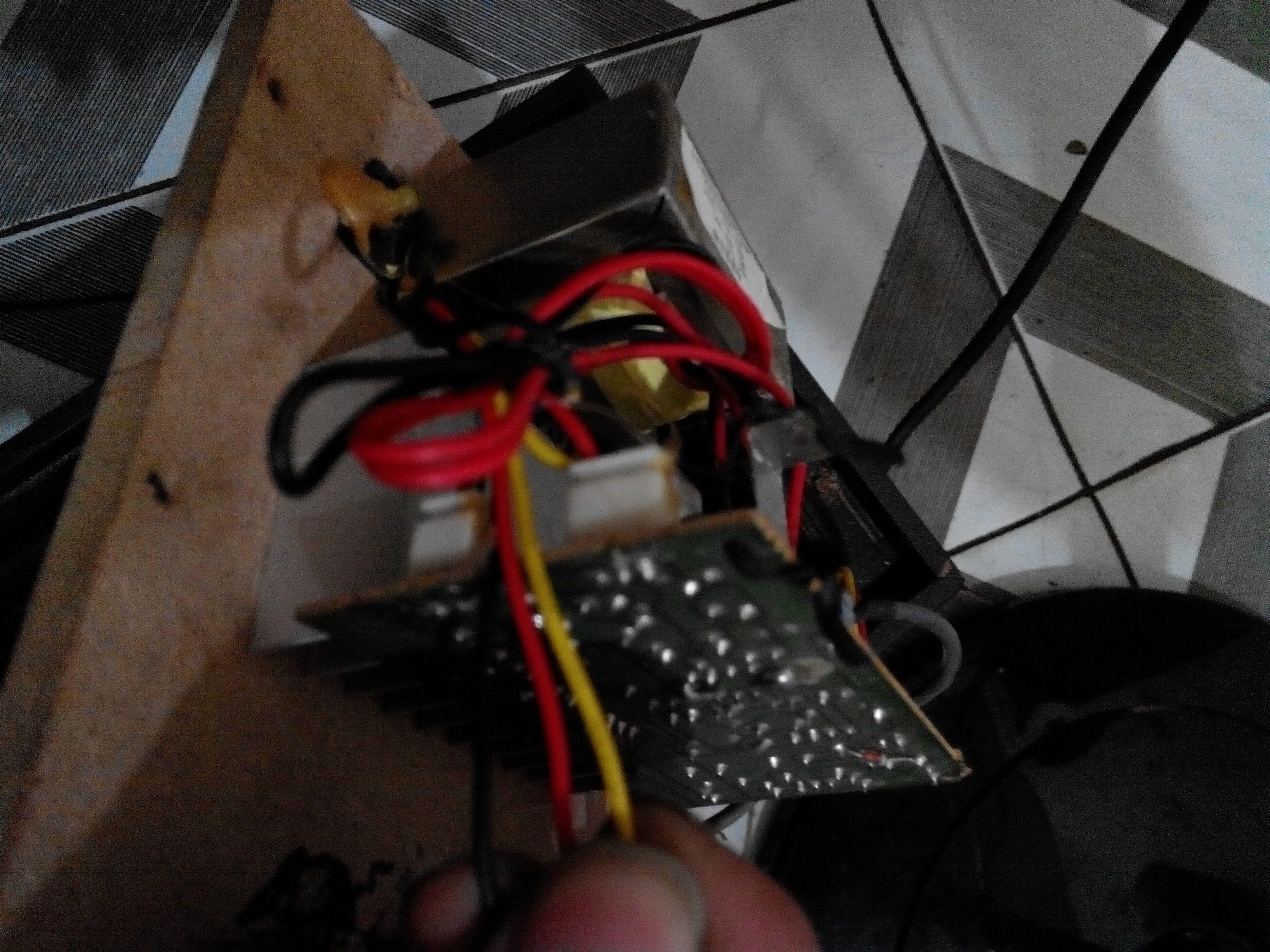 汽车低音炮接线问题   车载的低音炮怎么接入家用的 低音高清图片