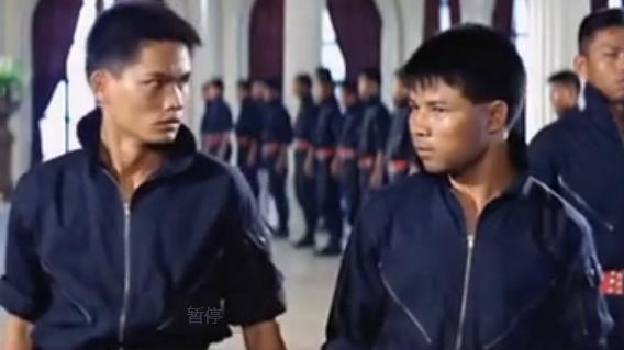 求一部香港武打电影 里面有一个外国女人是头头