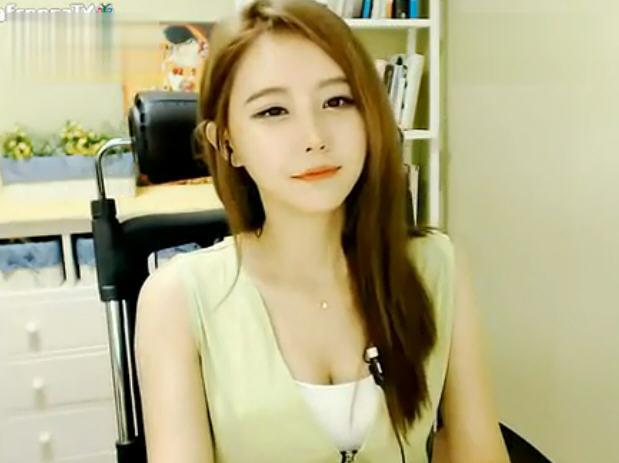 请问这个韩国女主播是谁