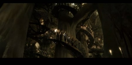 护戒联盟里众人抵达精灵森林时走过白色旋转楼梯时的那段,求同是魔戒
