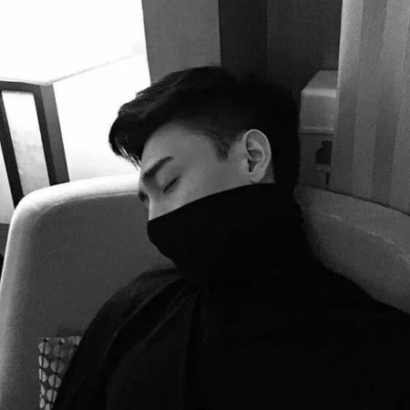 男生黑白颓废背影侧脸坐着的黑色衣服不要抽烟头像,要求有点多像这种图片