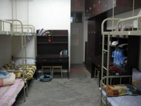 青岛大学中心校区宿舍情况图片