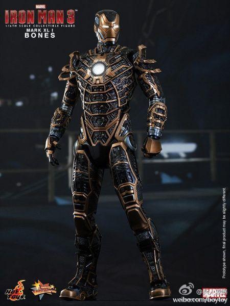 钢铁侠3最后那里盔甲都来了其中有一个好像是可以拆解图片