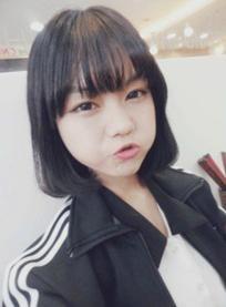 14岁初中女生 脸圆 适合剪什么样的发型?求附图