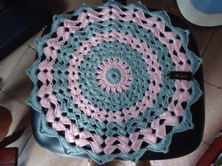 毛线编织坐垫详细图解 手工艺品钩针毛线编织坐垫 椅垫 汽高清图片