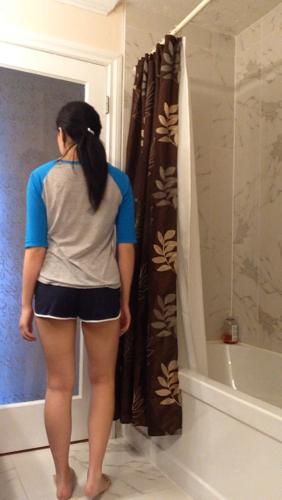 这个女生的腿粗吗?能称为健美?