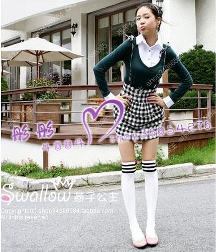 穿长筒白袜的女生图片