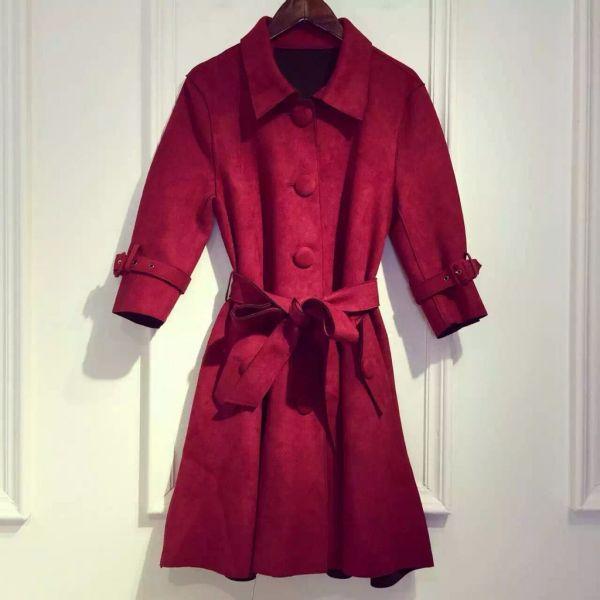 今年冬季大衣的流行款型是