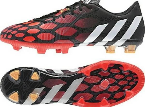 钉足球鞋可以在跑道上跑步吗 学校是树胶跑道的