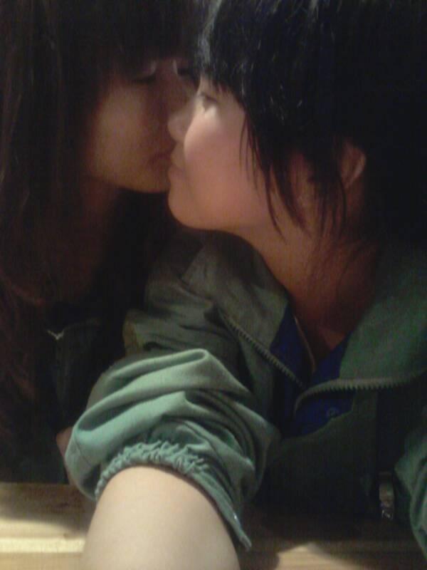 我可要强行跟你接吻