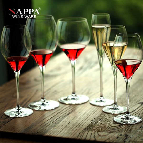 """品牌,被誉为""""酒杯里的劳斯莱斯"""".当然价格也是顶级的.高清图片"""