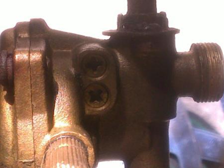 燃气热水器水气联动阀泄压阀上边的两个可调螺丝有什么作用?图片图片