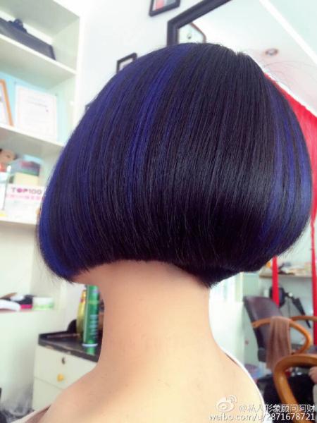 就是后面掏空一边长一边短的发型()图片图片